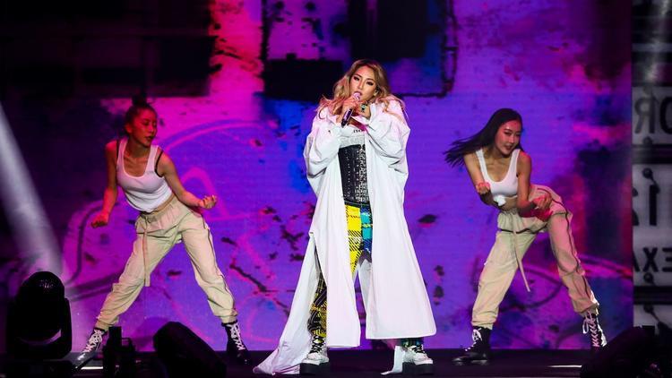 CL mà rời YG thì cũng chẳng có công ty nào đủ tầm hỗ trợ được cô ấy!