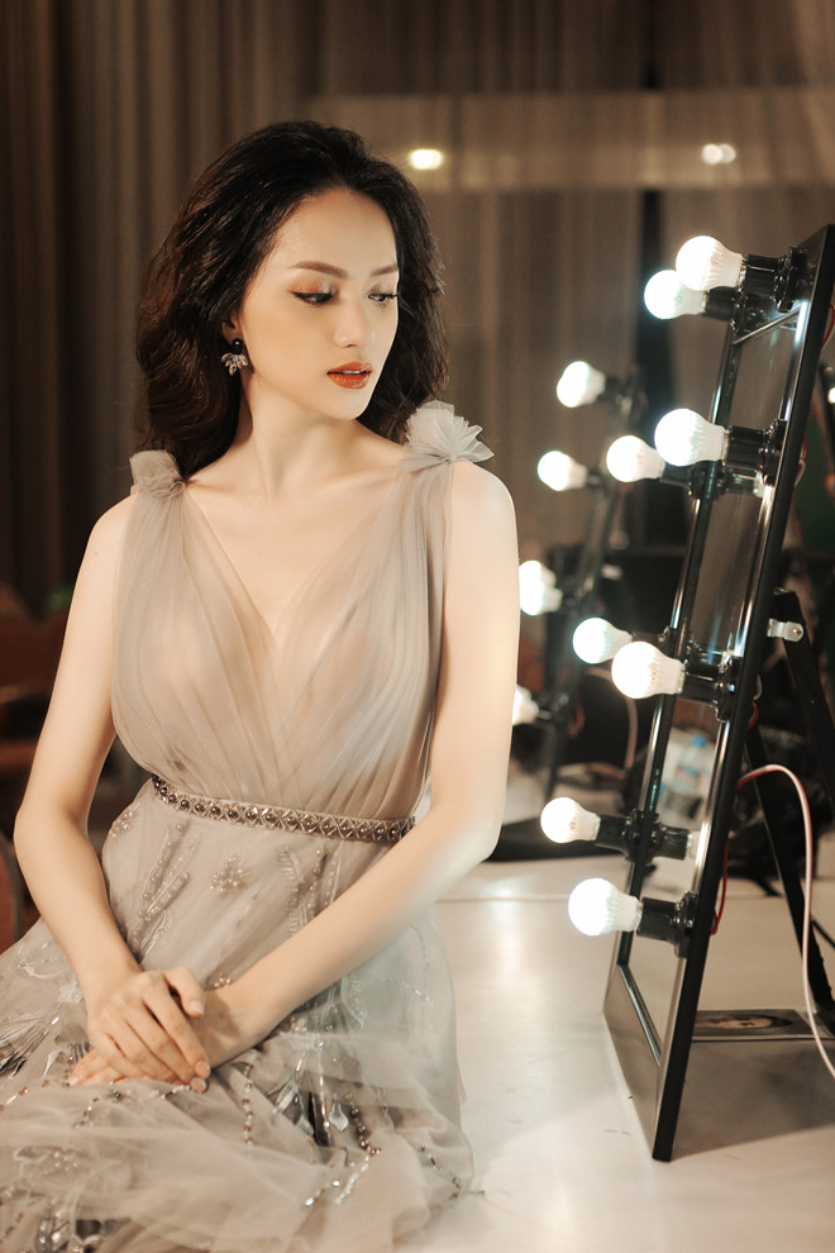 """Liệu rằng sắp tới, Hương Giang có ngồi vào chiếc ghế HLV của Siêu mẫu Việt Nam 2018 để tìm ra một """"siêu sao"""", giống như cô nàng từng tuyên bố?"""