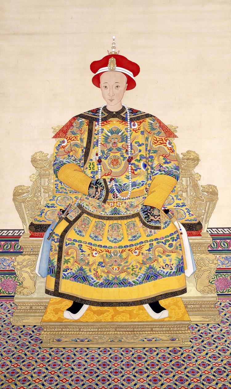 Chân dung Hoàng đế Đồng Trị trong triều phục mùa hè.