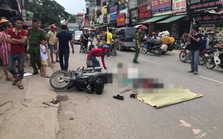Hiện trường vụ tai nạn thương tâm.