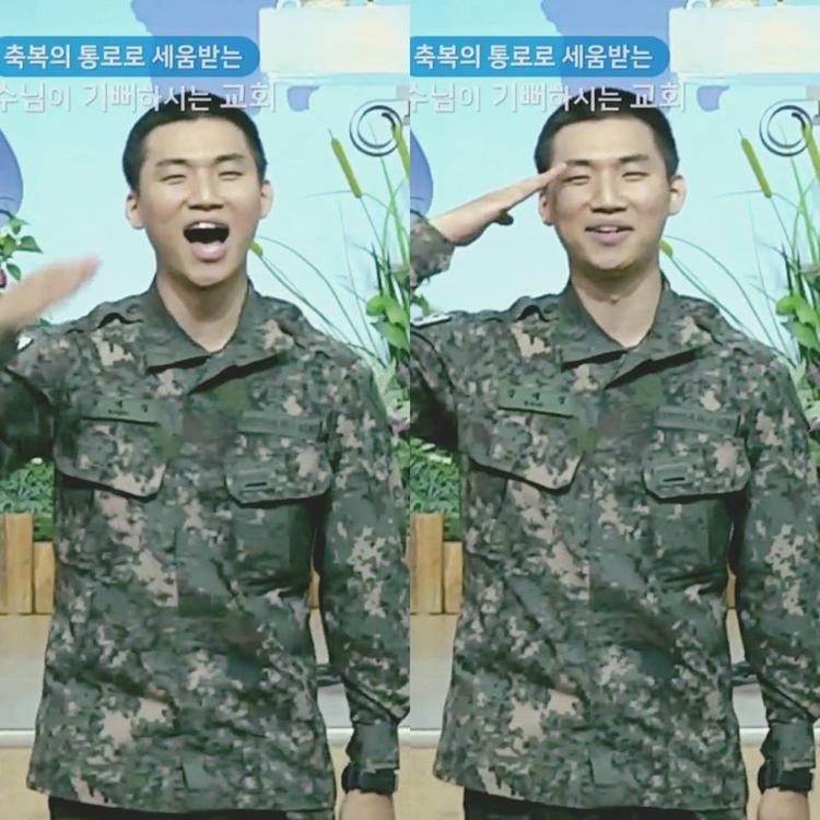 Clip: Tiếp nối Taeyang, đến lượt Daesung biến doanh trại thành concert của riêng mình