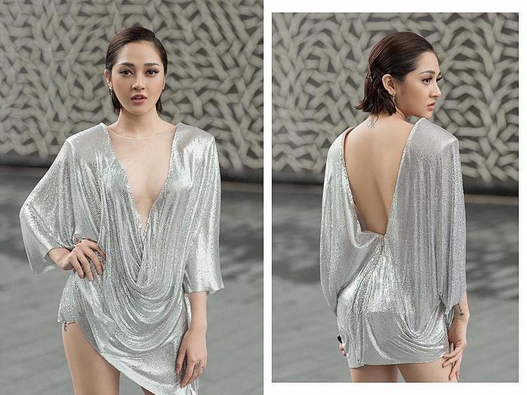 Mặc dù không sở hữu chiều cao tốt nhưng body chuẩn cùng với biết cách phối trang phục là điểm mạnh của nữ ca sĩ. Cô nàng vô cùng thu hút mọi ánh nhìn dù diện bất cứ trang phục nào trên người.