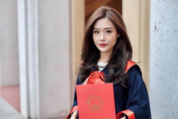 Thanh Huyền vừa tốt nghiệp ĐH Thương mại, và đang kinh doanh riêng tại Hà Nội