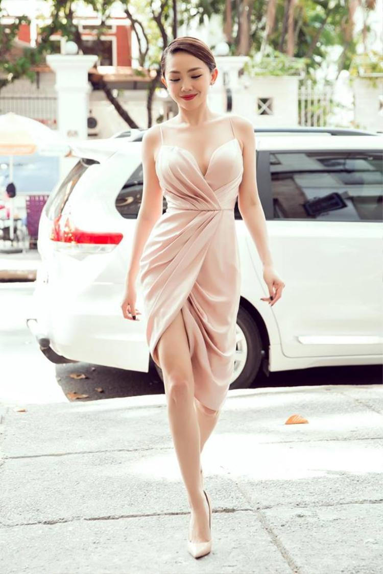 Angela Phương Trinh, Tóc Tiên và dàn mỹ nhân được mệnh danh là bombshell của showbiz Việt