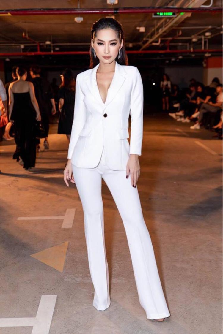 Nổi bật với phong cách menswear tại một sự kiện thời trang