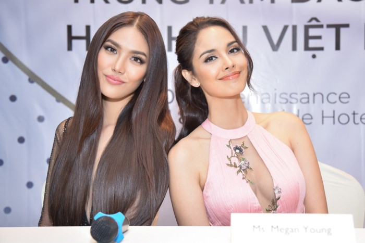 """Ấy vậy mà khi đọ sắc với cựu Hoa hậu Thế giới 2013 người Philippines Lan Khuê vẫn không hề đuối sức. Thậm chí diện mạo của top 11 Hoa hậu Thế giới 2015 còn """"một chín một mười"""" với Hoa hậu được mệnh danh đẹp nhất Thế giới này."""
