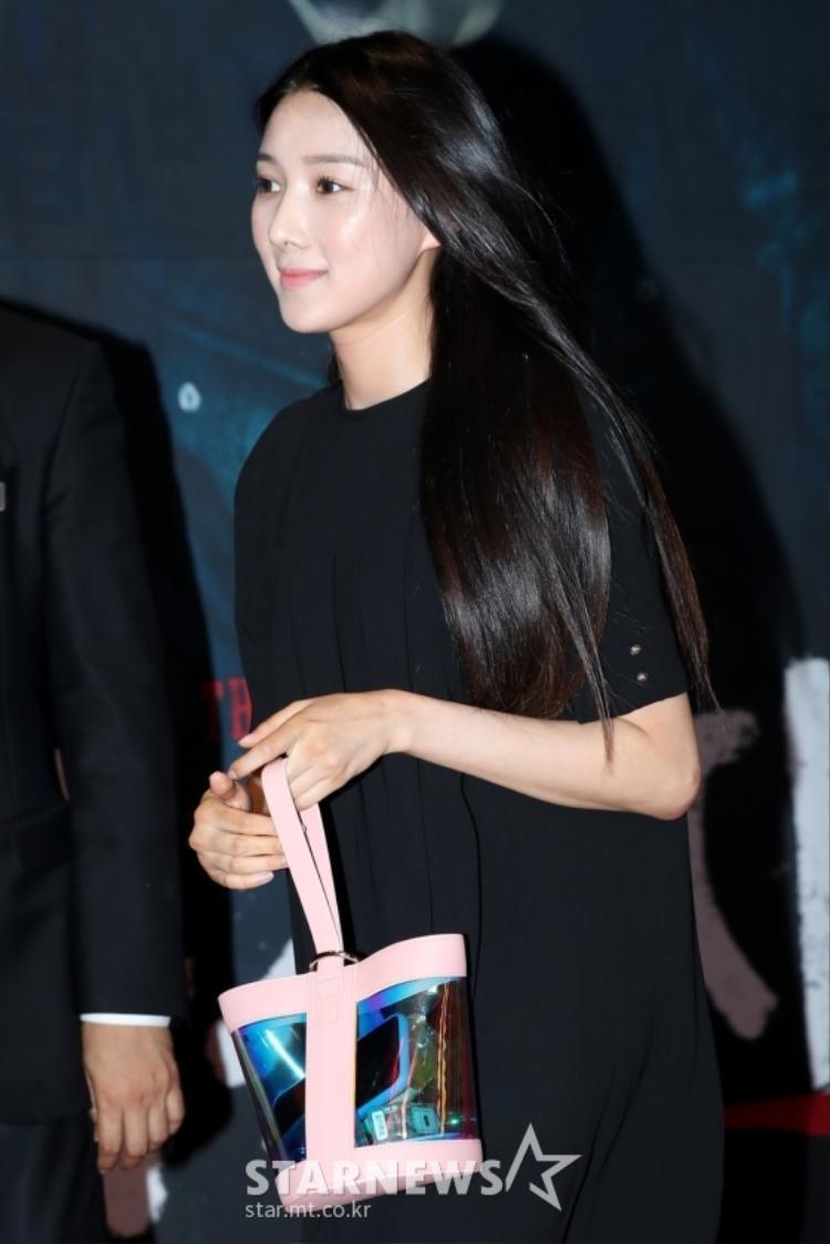 Park Hae Jin, Lee Ki Woo, Baro (B1A4) cùng tiểu Lee Min Ho đẹp tựa soái ca tại buổi công chiếu phim The Witness