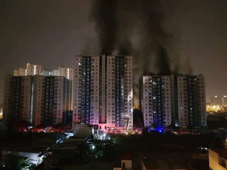 Vụ cháy chung cư Carina Plaza khiến 13 người chết