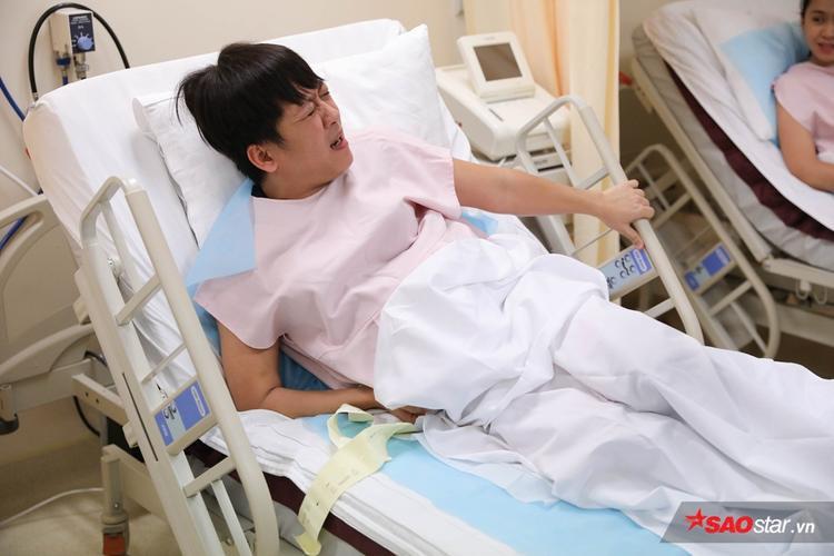 Trường Giang siêu đáng yêu khi đau đẻ, Hương Giang suýt ngất xỉu vẫn muốn con gái đẹp tự nhiên