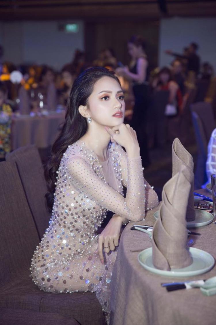 Với vai trò đặc biệt lần này, Hương Giang hứa hẹn sẽ mang lại nhiều điều thú vị ở mùa giải Siêu mẫu Việt Nam 2018.