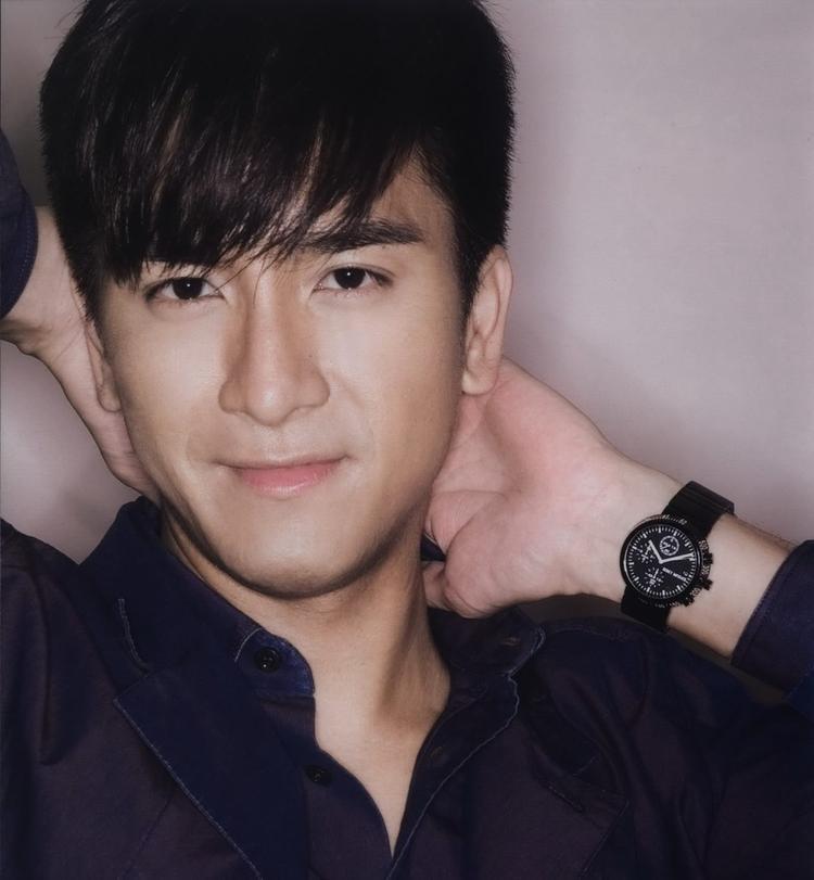 """Mã Quốc Minh vào TVB đã nhiều năm, tuy đã nắm trong tay rất nhiều vai chính nhưng khán giả lại luôn tiếc nuối cho anh vì phim của anh ít khi thuộc top phim """"bom tấn"""" để tranh giải Thị Đế hằng năm"""