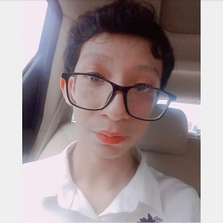 Giả gái vì muốn sống với giới tính thật của mình, nam sinh 14 tuổi bị bạn bè chỉ trích là sống ảo, gia đình kì thị