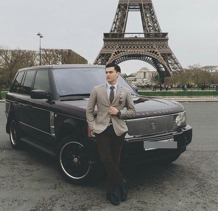 Dimash Adilet sở hữu dàn siêu xe cực khủng ở tuổi 20. Ảnh: The Sun