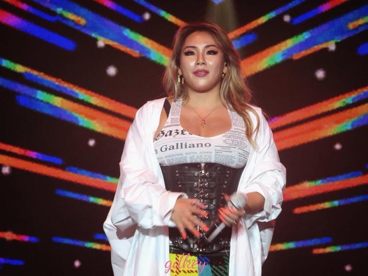 Thân hình phì nhiêu của CL trở thành đề tài hot thời gian gần đây.