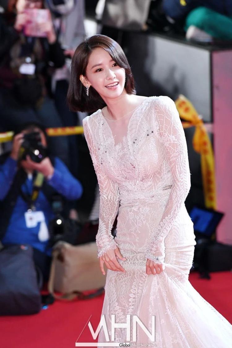 Xuất hiện xinh đẹp vô ngần nhưng mọi người chỉ mải nhìn vào vòng 3 của YoonA