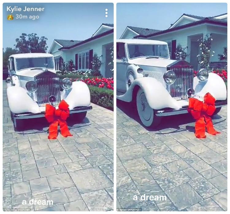 Sướng như Kylie Jenner: Ngoài mớ đồ hiệu đắt tiền, hot girl này còn được tặng cả siêu xe tỷ đồng nhân ngày sinh nhật