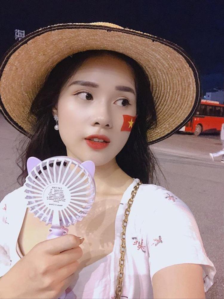 Nhan sắc xinh đẹp của cô nàng Huyền Trang.