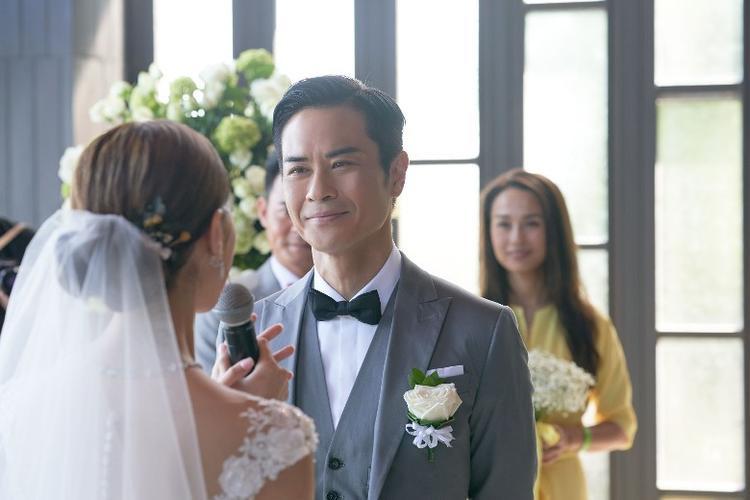 Ánh mắt hạnh phúc của Trịnh Gia Dĩnh khi thành công đón hoa hậu về chung một nhà