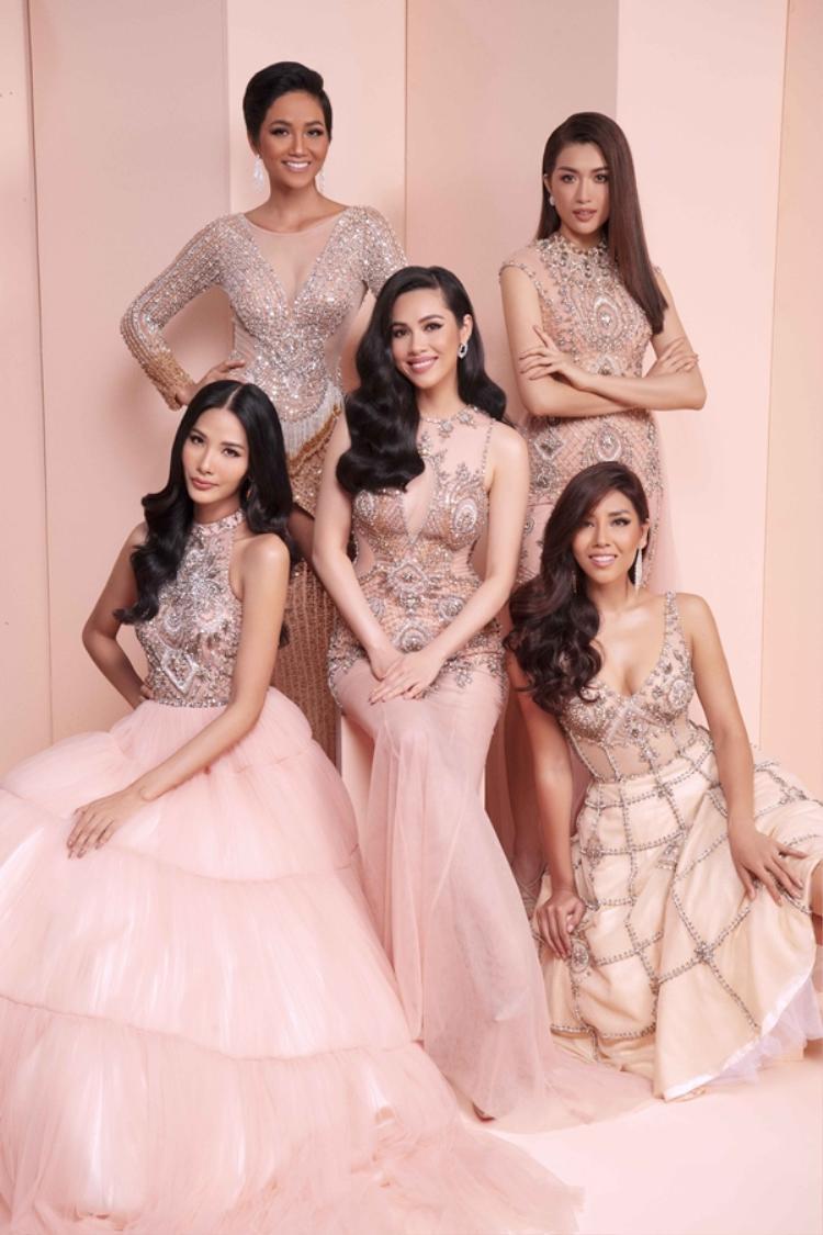 Đây là cuộc hội ngộ khá đặc biệt của dàn người đẹp Hoa hậu Hoàn vũ.