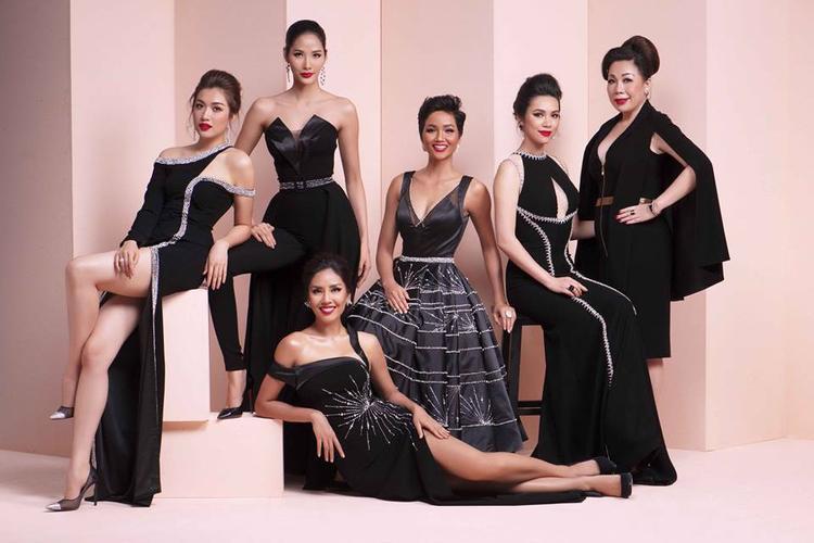 Trong những bộ trang phục của nhà thiết kế Linh San, H'Hen Niê như được thăng hoa nhan sắc. Hoa hậu Hoàn vũ Việt Nam 2017 vốn quen thuộc với những chiếc đầm không những tôn dáng mà còn tôn làn da nâu bánh mật.