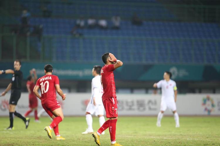 U23 Syria chơi hay hơn U23 Việt Nam trong phần lớn thời gian hiệp 1. Ảnh: LT