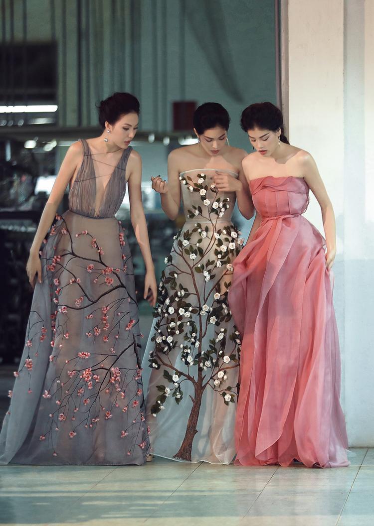 """Ville De Fleurs"""" - tiếng Việt nghĩa là Thành phố ngàn hoa - được lấy cảm hứng từ những chuyến đi thăm thành phố Đà Lạt lãng mạn của chính anh."""