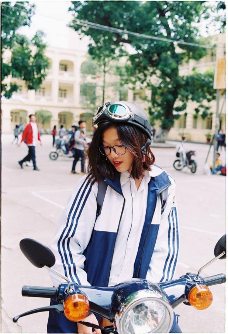 Nân là một học sinh khá toàn diện của THPT Việt Đức, khi vừa học giỏi, vừa tích cực tham gia các hoạt động ngoại khóa