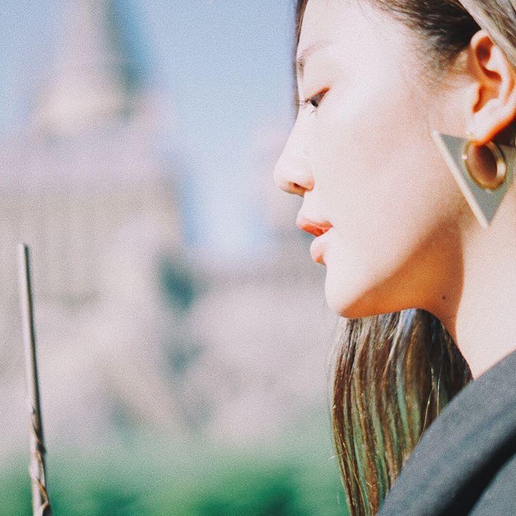 Văn Mai Hương khiến nhiều người giật mình với khuôn mặt dài ngoẵng kì lạ
