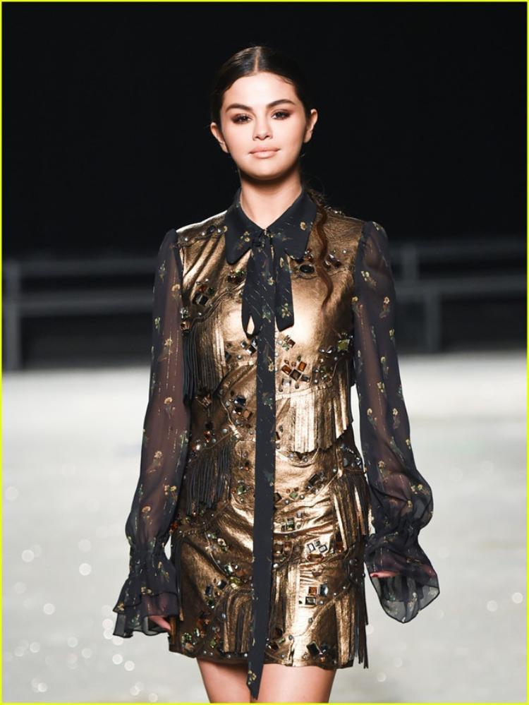 Hình ảnh Selena Gomez tỏa sáng trong show diễn