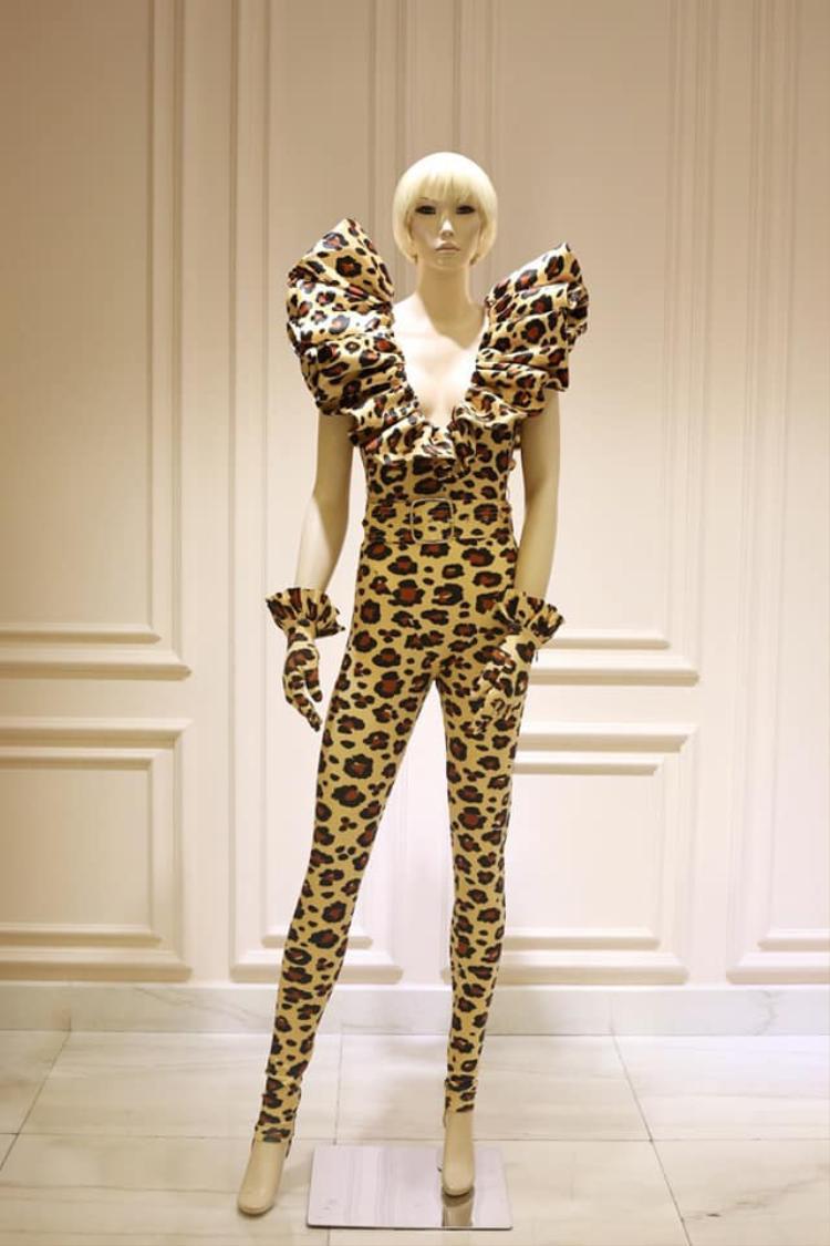 Đây chính là trang phục được Katy chọn để biểu diễn.