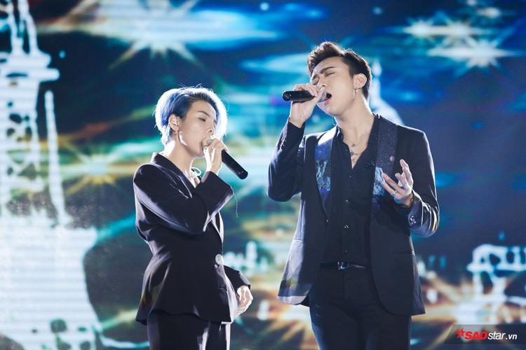 Clip hát đôi hot nhất hôm nay: Soobin Hoàng Sơn và Vũ Cát Tường quyện giọng Yêu xa ngọt tê tái
