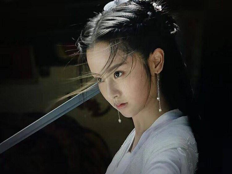 'Tân Thần điêu đại hiệp: Tiểu Long Nữ được khen giống Lưu Diệc Phi, Dương Quá bị chê là quá xấu