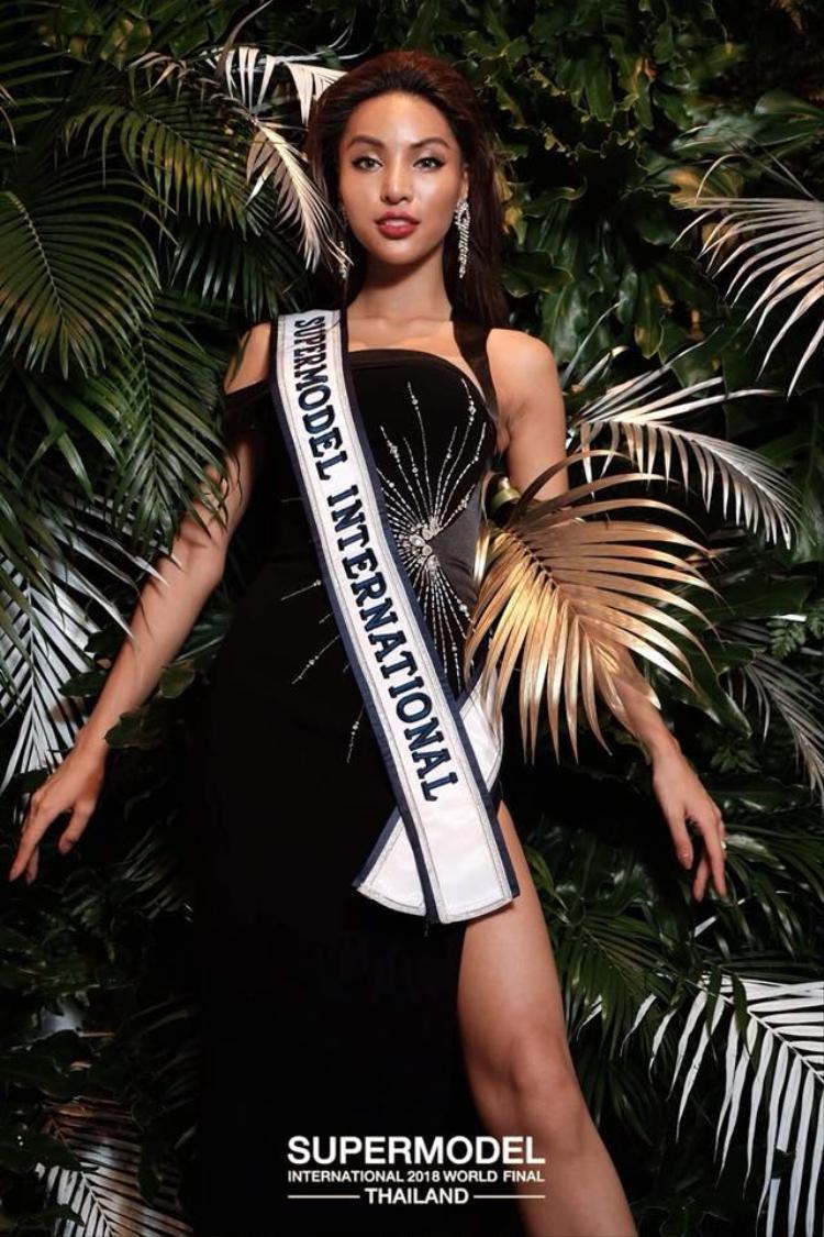 Khả Trang cho biết các phần thi liên tục. Tuy nhiên, người đẹp vẫn giữ được tinh thần, sức khỏe ổn định. Trước khi đến cuộc thi, cô được người mẫu Anh Thư, Nam vương Manhunt International Ngọc Tình hướng dẫn thêm kỹ năng trình diễn trên sân khấu.