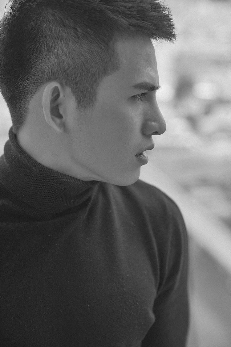 Với việc đem câu chuyện gây nhiều tranh cãi trong dư luận vào sản phẩm âm nhạc mới nhất, Quốc Thiên không ngần ngại bày tỏ quan điểm cá nhân.