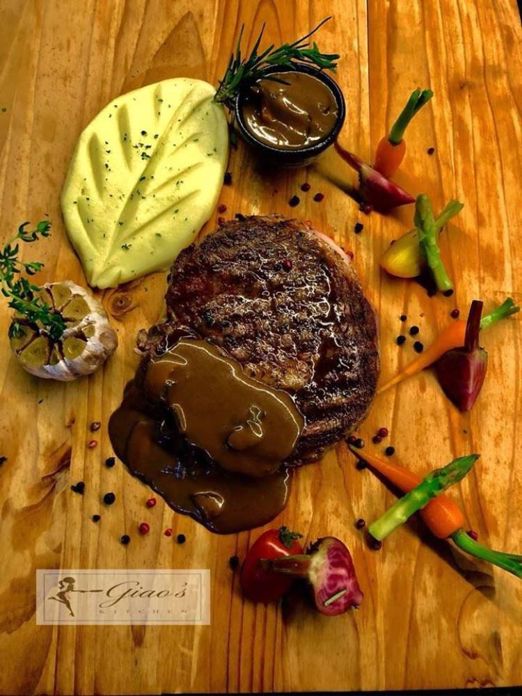 Beefsteak Dân mạng 'phát sốt' với cô giáo vừa xinh đẹp, vừa nấu ăn ngon