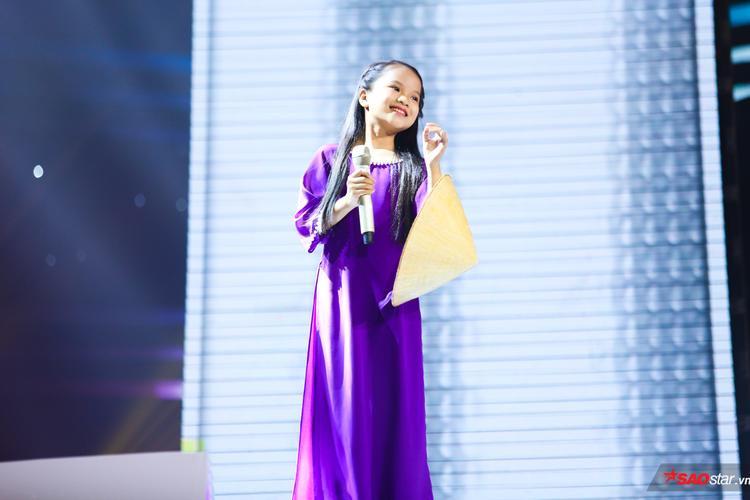 Nguyễn Khánh Hà: Nàng thơ xứ Huế mini chinh phục cả 6 HLV bằng giọng hát như rót mật
