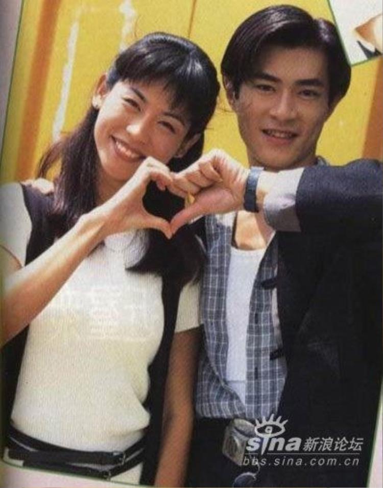 """Cổ Thiên Lạc và Tuyên Huyên những năm đó được xem là """"cặp đôi vàng"""" của TVB."""