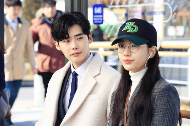 Cặp đôi Suzy và Lee Jong Suk nhận được rất nhiều lời khen vì diễn xuất tự nhiên.