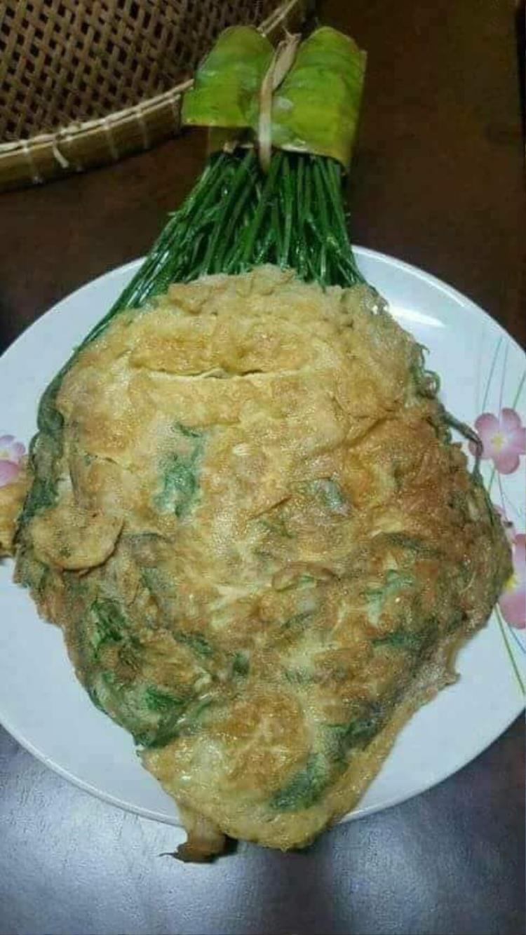 Trứng chiên cành rau ngót nguyên bó…