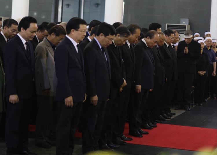 Đoàn Chính phủ viếng nguyên Tổng bí thư Đỗ Mười. Ảnh: Ngọc Thành