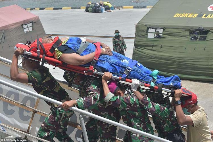 """Dự án HOPE, một tổ chức y tế phi chính phủ tại Indonesia, cho biết chỉ có 2 trong số 82 nhân viên của họ nhận nhiệm vụ ở Palu. Tổ chức HOPE nói: """"Chúng tôi không biết số phận của những bác sĩ, y tá và nhân viên y tế còn lại, những người đang làm việc tại Palu trước khi thảm họa kép xảy ra hiện như thế nào""""."""