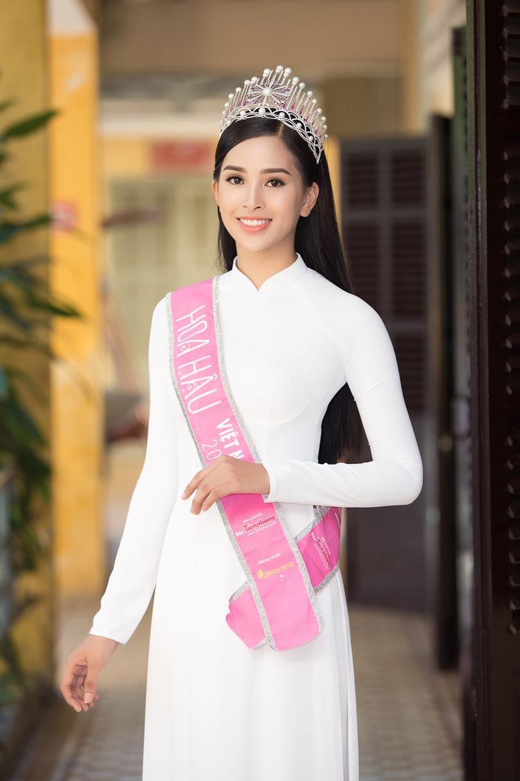 Với những nhận định trên cho thấy, đương kim Hoa hậu Việt Nam Trần Tiểu Vy sở hữu nhiều ưu thế để có thể tạo nên kì tích mới cho nhan sắc Việt tại Miss World - Hoa hậu Thế giới năm nay.