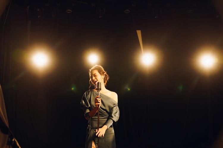Đồng Ánh Quỳnh trong MV mới của Trương Kiều Diễm: Cứ tưởng ngôn tình ai ngờ lại là sản phẩm bách hợp?