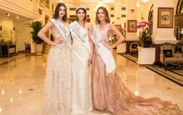 Người lên thay thế là Á hậu Izabela Ion và được quyền đại diện quốc gia này đến Miss World diễn ra ngày 8.12 tới ở Hải Nam - Trung Quốc.