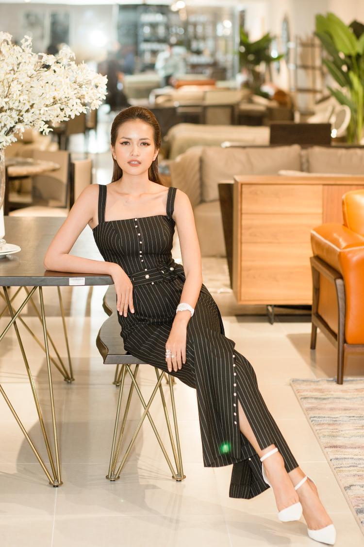 Ngọc Châu - Miss Supranational Vietnam 2018 cũng có mặt trong sự kiện.