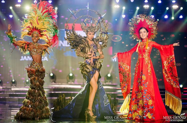 Tò mò bộ Quốc phục của Phương Nga mang thi đấu tại Miss Grand International 2018