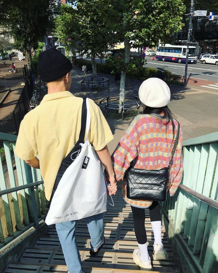 HyunA chia sẻ hình ảnh ngọt ngào cùng với E'Dawn mặc kệ 'giông bão' bủa vây