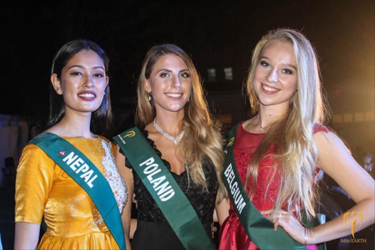 Các đại diện khác của châu Âu tại Miss Earth 2018 như Ba Lan, Bỉ, Nepal đều mờ nhạt, không được đánh giá cao.