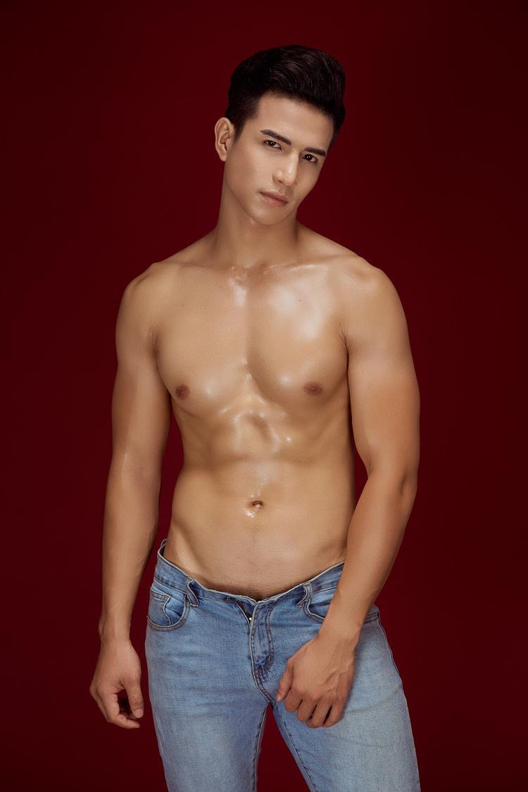"""Rất có thể, trong tương lai showbiz Việt sẽ có được một """"nam thần"""" vừa làm mẫu, vừa có khả năng diễn xuất chuyên nghiệp."""