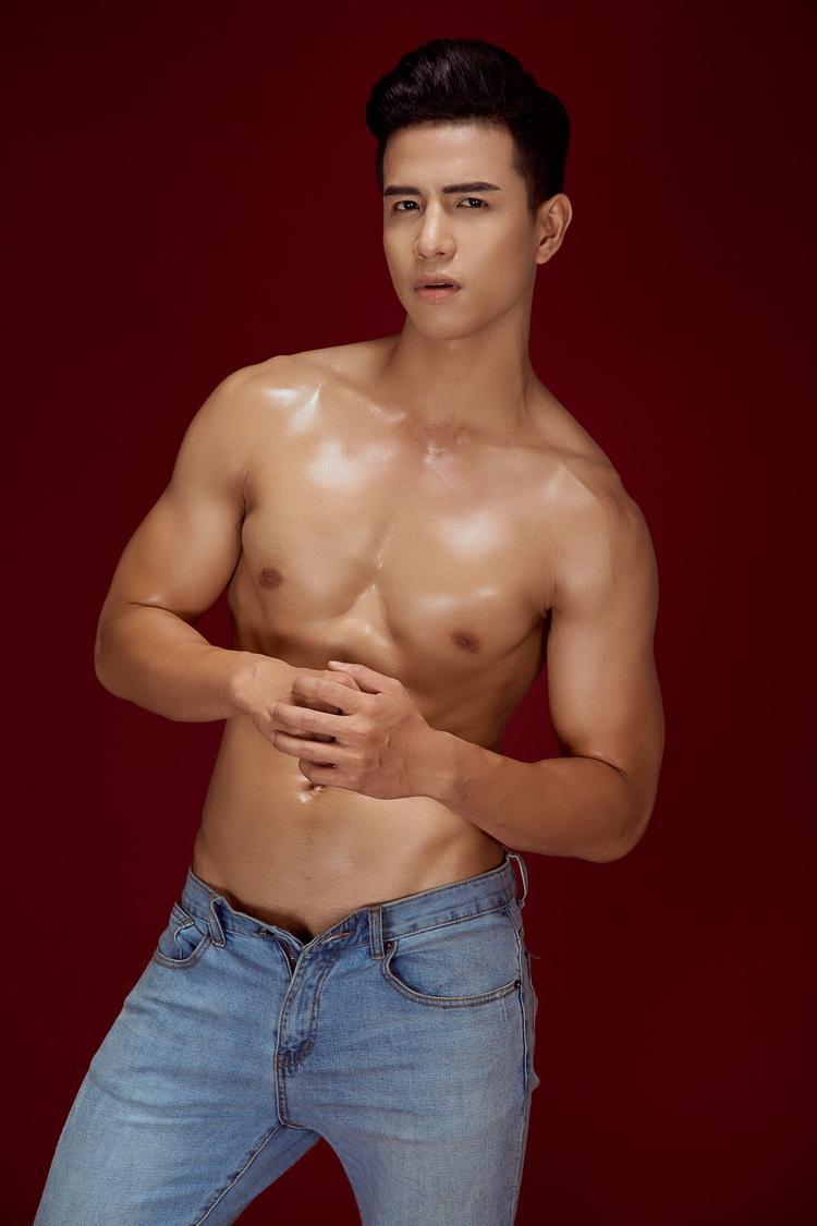 Trịnh Bảo đến từ Hải Phòng, trước khi đến với Siêu mẫu Việt Nam 2018, anh từng làm mẫu nhưng chưa đạt được thành công với nghề.